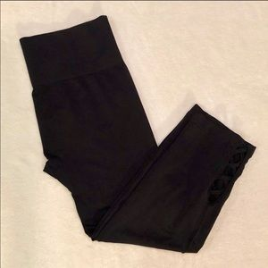 one 5 one Black Lattice Cuff Cropped Leggings L/XL